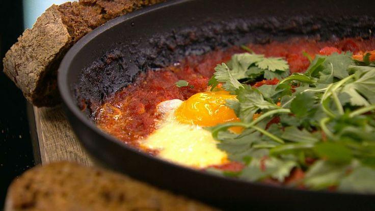 Æg i chili/tomatsauce   Mad