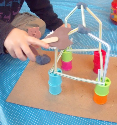 Stories brought to life - The 3 Little Pigs; lots of pretend play ideas tool!
