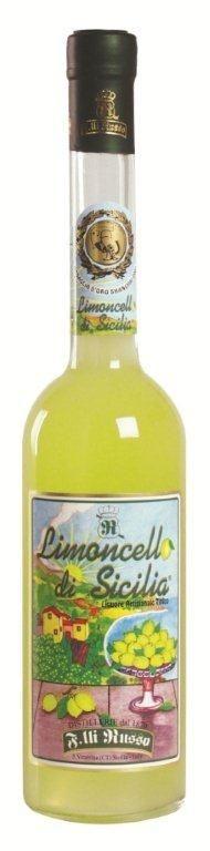 Limoncello di Sicilia Likőr 0,5L 32% - Ez a likőr igazi különlegesség az FM Brand tagjai között.  Ízében a langyos Szicíliai éjszakák varázsát idézi ez az ital.  Hagyományos recept alapján készül, amely nem más, mint alkohol és a Jón tenger partjainál termett friss citromok héjának különleges keveréke.  Aroma, színezék és tartósítószer nélkül.  Nagyszerűsége éppen egyszerűségében rejlik.    A termék 2010 évben aranyérmes lett a rangos nemzetközi Concours Mondial De Bruxelles versenyen.