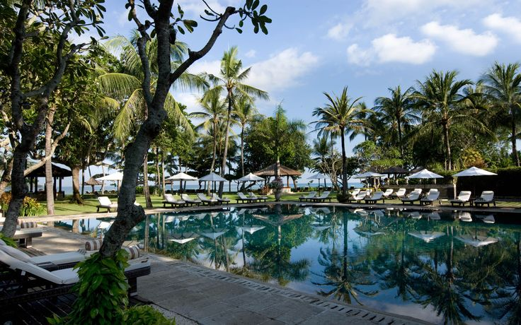 Club InterContinental Pool. It's a beach front private pool, dedicated only for our Club Guests.