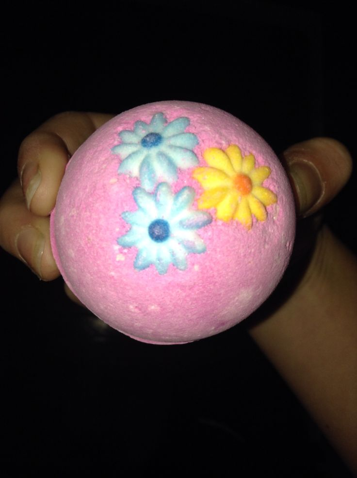 Lush 'pink' bath bomb.