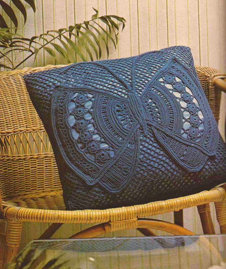 Patrón #179: Cojín a Crochet Mariposa (Con las Alas Desplegadas) #ctejidas http://blgs.co/aLK458
