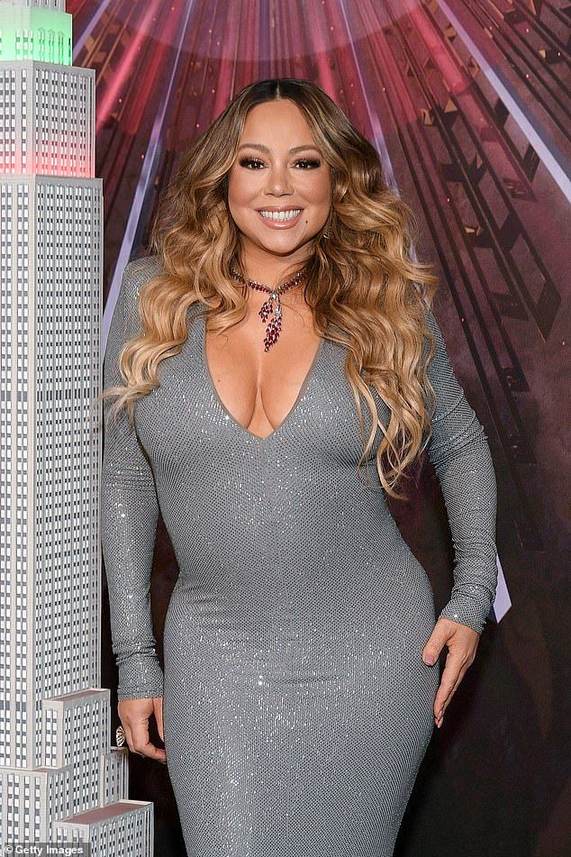 Mariah Carey Sets New Record With All I Want For Christmas Is You Mariah Carey Christmas Mariah Carey Mariah Carey Twitter