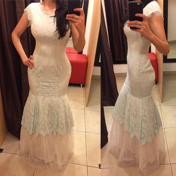 Vestido de randa corte sirena con tul abajo  #fashion #fashiondiaries #moda #prom #trend #fashionstyle #styleblogger #vestido #dresses #designer #descuento #ropa #style #trend #trendy #tendencia