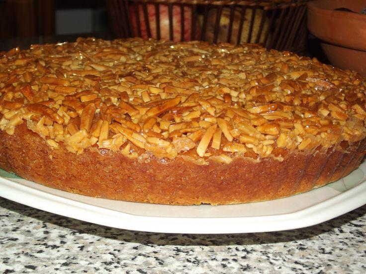 Uma receita deliciosa Tarte de Amêndoa na versátil e prática Bimby. Veja como cozinhar passo a passo a Tarte de Amêndoa de forma fácil, rápida e apetitosa