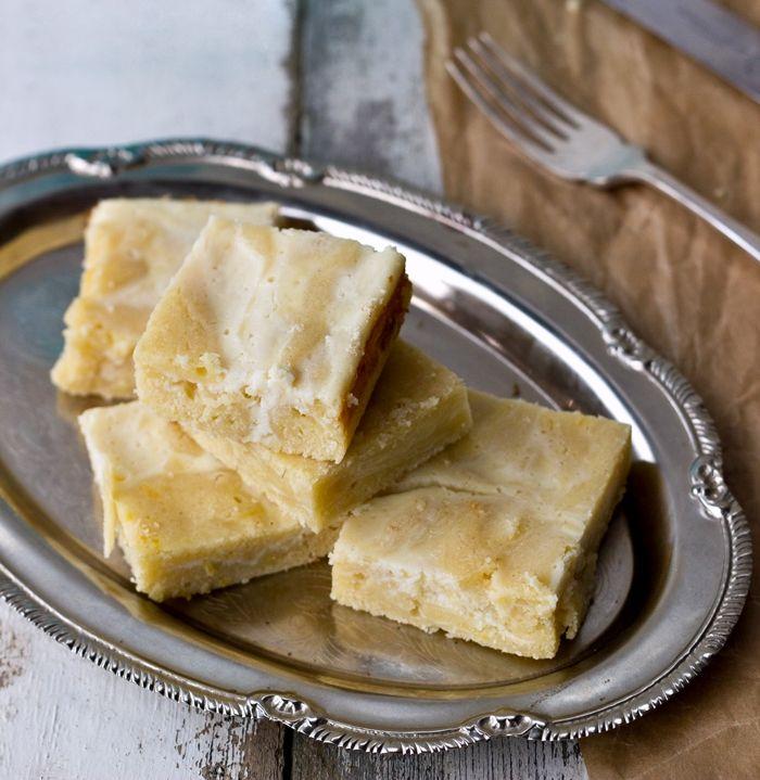 Cheesecake Swirl Lemon Blondies