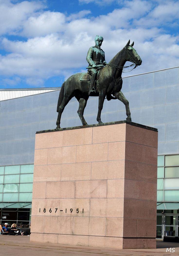 Marsalkka Mannerheim, Helsinki