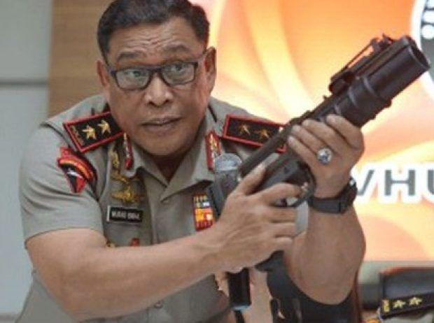 Berita Islam ! Soal Senjata Kejut Impor Kakor Brimob: Jangan Dianggap Paling Berbahaya... Bantu Share ! http://ift.tt/2kfMTOJ Soal Senjata Kejut Impor Kakor Brimob: Jangan Dianggap Paling Berbahaya  Jakarta  Kepala Koprs (Kakor) Brimob Polri Irjen Murad Ismail memberikan penjelasan perihal senjata yang diimpor dan kiri tertahan di Bandara Soekarno Hatta. Menurutnya senjata itu hanya untuk kejut sehingga tak perlu dianggap paling berbahaya. Ini bukan senjata antitank senjata ini bukan untuk…