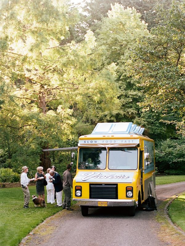 Jane & Stuart | Portland Wedding with Food Trucks | Snippet & Ink