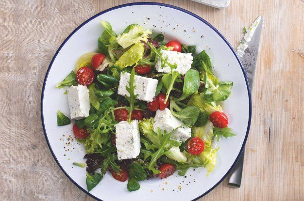 http://www.apetitonline.cz/recept/syrova-terina-s-barevnym-salatem