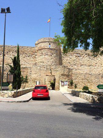 Castillo de Santiago, Sanlúcar de Barrameda: Consulta 63 opiniones, artículos, y 13 fotos de Castillo de Santiago, clasificada en TripAdvisor en el N.°3 de 33 atracciones en Sanlúcar de Barrameda.