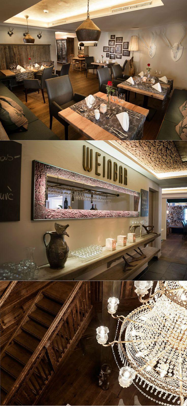 Alpin Juwel | Lifestyle Hotel | Saalbach Hinterglemm | Austria | http://lifestylehotels.net/en/alpin-juwel | restaurant, wood, chandelier, wine bar, mirror, dining area, stairs, stairwell, romantic