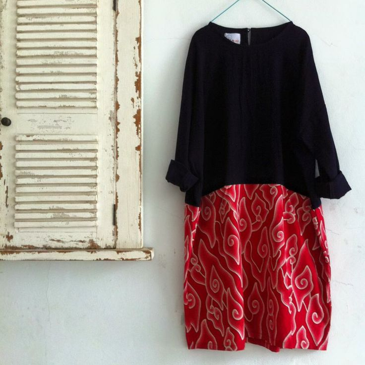 red megamendung tunic combine with black cotton