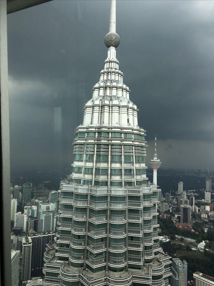 Spitze des 452 m hohen Petronas Towers