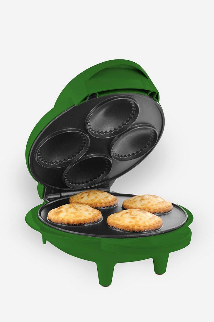 24 best images about pot pies on pinterest pot pies for Best mini pie maker