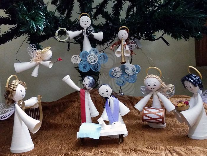 Quilled nativity scene with angels