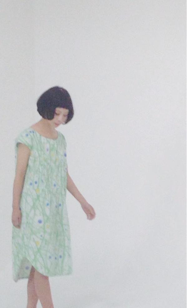 新作映像作品は僕の絵と実写が組み合わさった作品です。 モデルはyuria。 絵は近藤康平。 監督は土井昌徳。 衣装はACID GALLERY。 そして音楽にschroder-headzのpetalを 使用させてもらいます。