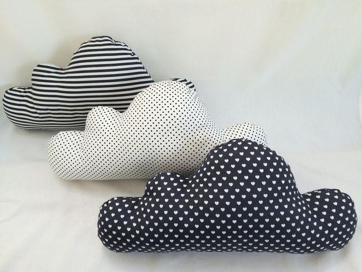 3er+Set+Wolkenkissen+-+schwarz+weiß+von+Just+lovely+auf+DaWanda.com