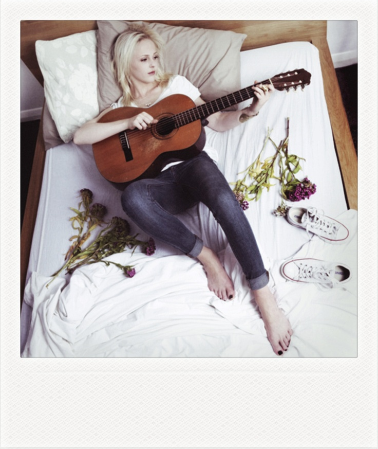 Laura Marling... can I please just look like her?!