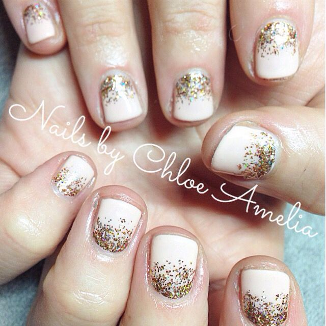 Ombré glitter Calgel manicure peach delight with champagne gold