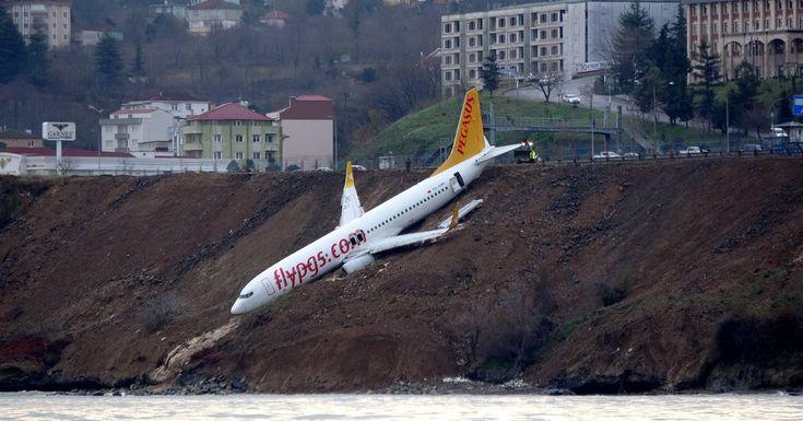 #MONSTASQUADD Plane in Turkey Skids Off Runway, Teetering on Water's Edge