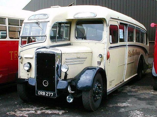 Alle Größen   Daimler CVD6 Duple A type C35F built 1950,Blue Bus of Willington.   Flickr - Fotosharing!