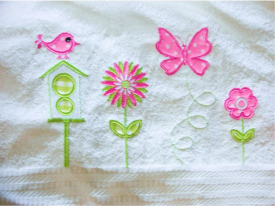 BESV537 - Applique Garden 2 Spring has returned with its bounty of energy and colour. These flowers and pieces are super easy applique to bring back that energizing spring feeling to your bathroom towels, kitchen projects or kiddies shirts. http://tinyurl.com/zqa5qo8