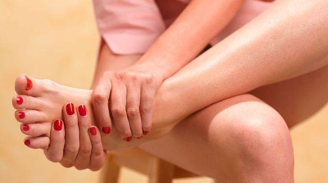 Hallux valgus: quelles solutions pour traiter l'oignon du pied?