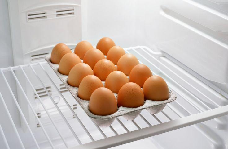 Как хранить вареные и сырые яйца в холодильнике — Все ...