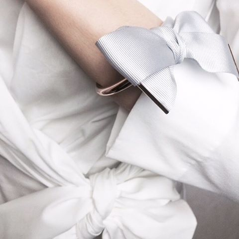 Bow a wish must have of this season✌️ #newin #bowawish #silvercuff #silverbracelet #silk...