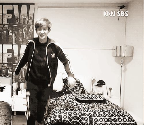 Why you have to be cute? - Chanyeol [Roommate]
