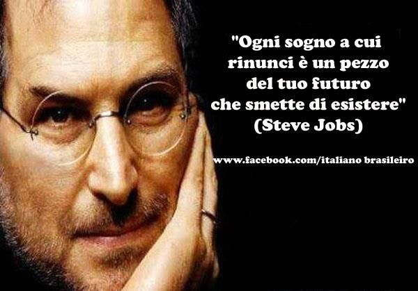 """""""Ogni sogno a cui rinunci è un pezzo del tuo futuro che smette di esistere"""" (#Steve #Jobs)"""