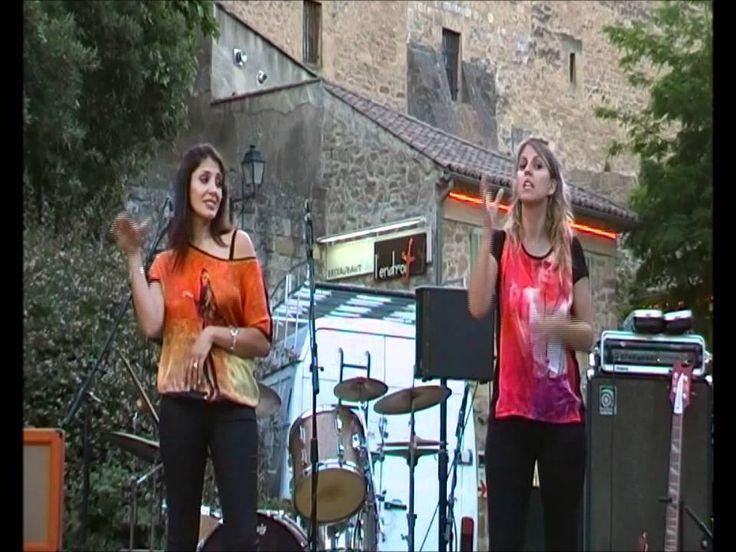 Chanson sign e en langue des signes fran aise secret de the pierces par v ronique et c line - Fete de la musique salon de provence ...