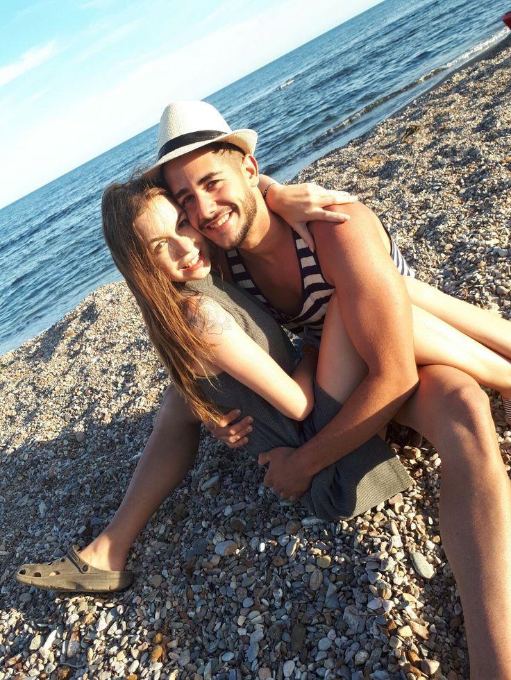 Se trabajan vínculos afectivos como el amor en espacios como la playa, concretamente, en Águilas Murcia
