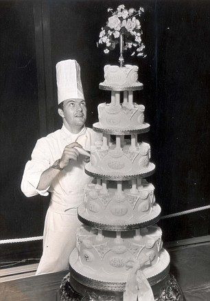 Princess Ann's wedding cake.
