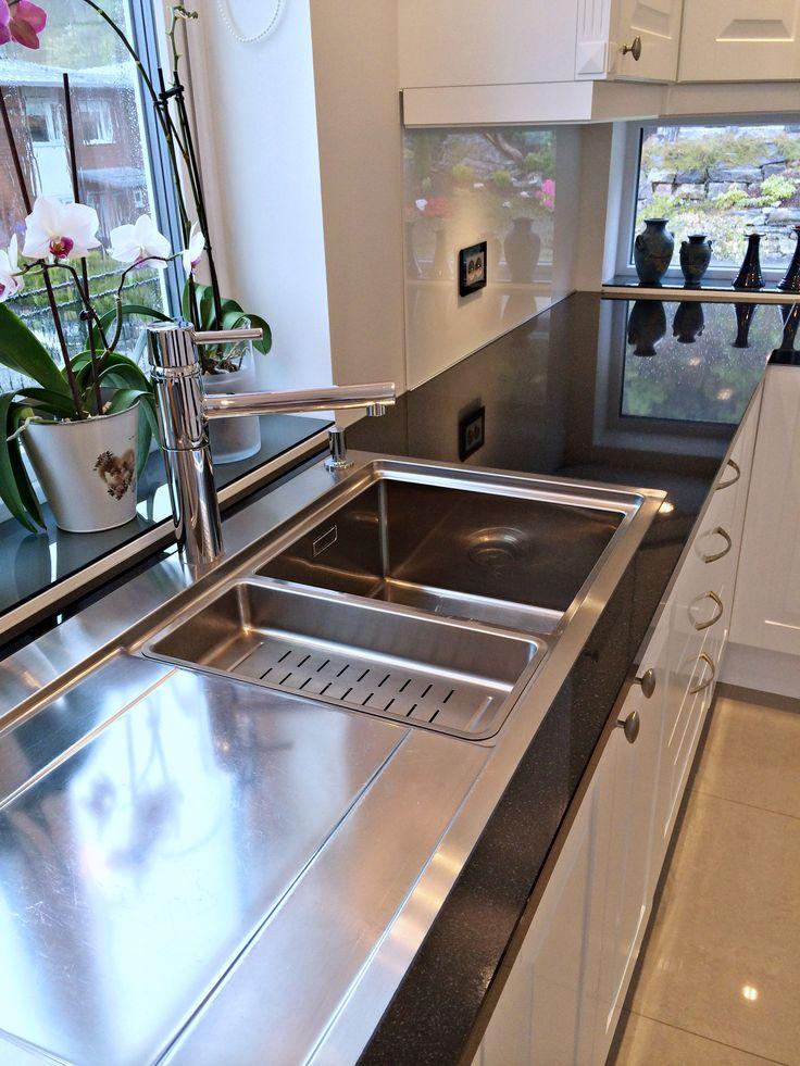 Herregård kjøkken.  Designet av Ellisiv Solheim  Foto: Ellisiv Solheim