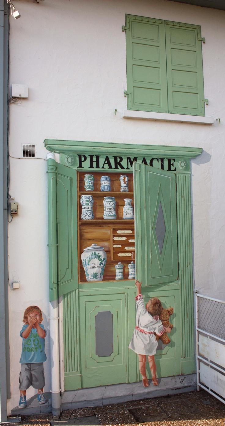 Farmacia. Photograph Jon Vicente.