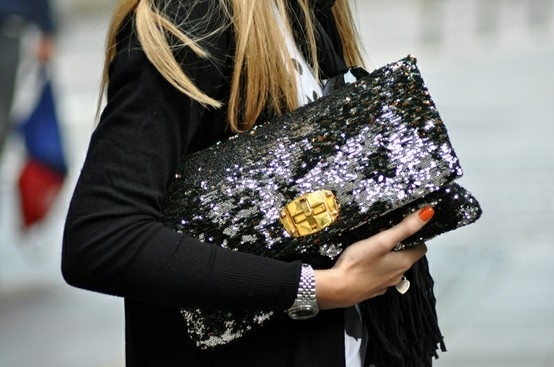 soo chic! #clutch #sequin #bag #inspiration #black