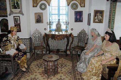 Dámské oblečení na svatbu