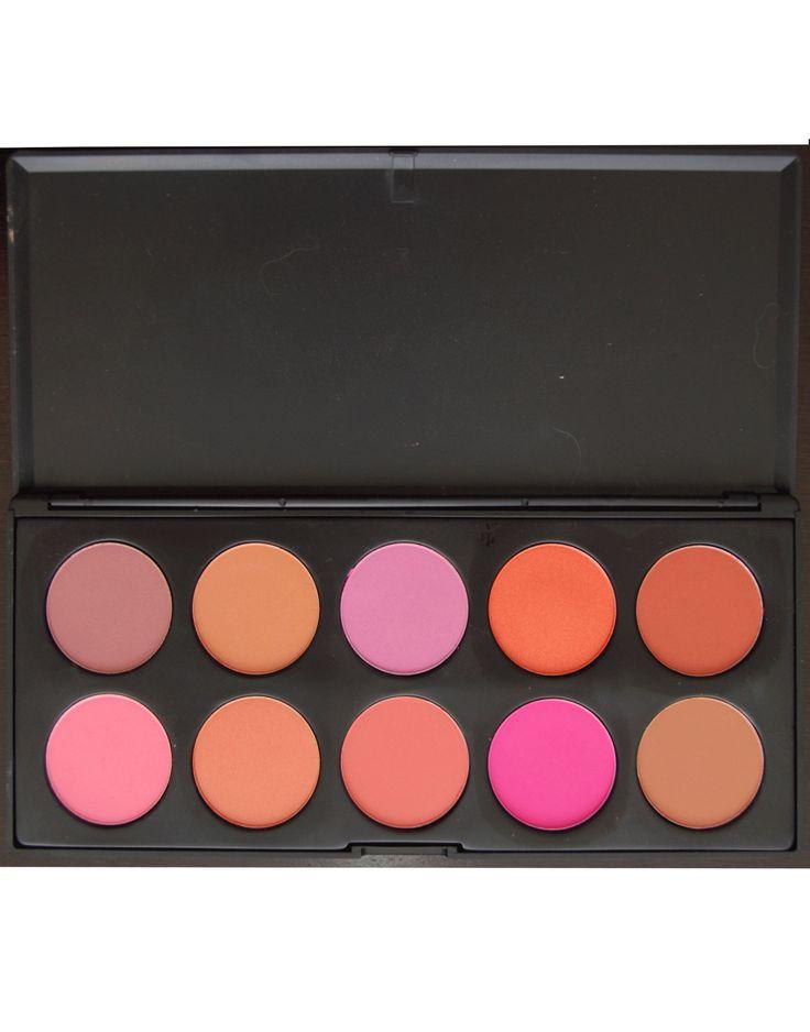 Trusa de blush cu 10 de culori calde si reci disponibila pe www.paletutze.ro