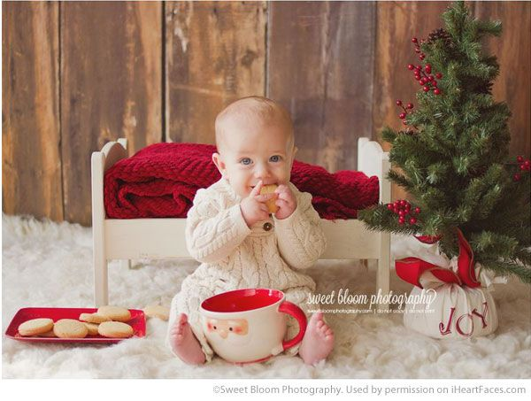 Inspiring Christmas Photo Session Ideas via iHeartFaces.com - Portrait by Sweet Bloom Photography