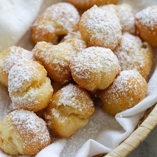 Homemade beignets have never been so easy and delicious! This easy beignet is fail-proof and so good you can't stop eating.