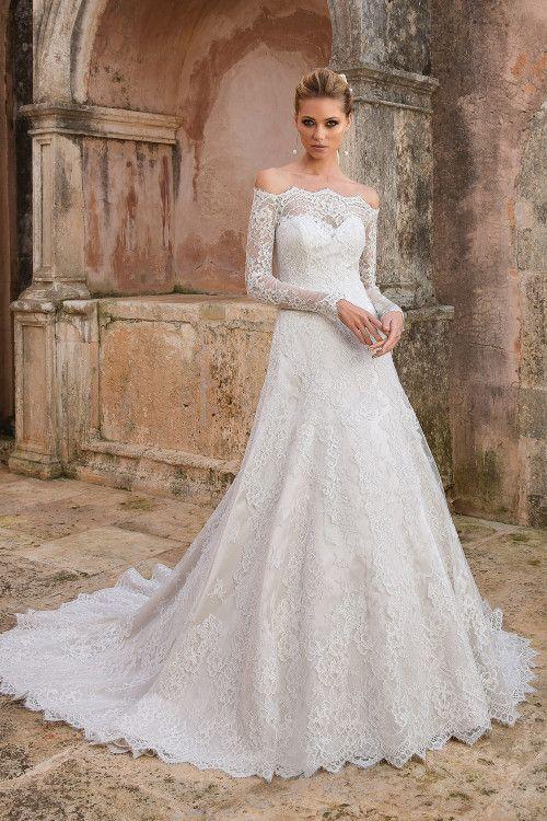 5bb919a460e26 A Kesim Gelinlik Modelleri Omuz Açık Uzun Kol Kalp Yaka Kuyruklu Dantel  #moda #fashion #fashionblogger #gelinlik #akesimgelinlik #wedding  #weddingideas ...