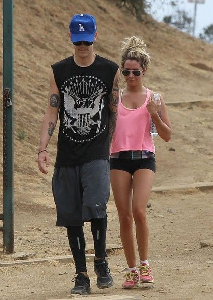 Ashley Tisdale and boyfriend Christopher French go for an afternoon hike in LA - Teen Daily