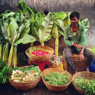 Dadar Flower Market - Mumbai, India @nishjamvwal http://nishajamvwal.blogspot.in/
