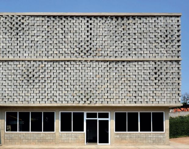 Com arquitetura paramétrica, SUBdV mistura tecnologia de projetação com assentamento manual de blocos de concreto em anexo de fábrica de brinquedos de Taboão da Serra, SP | aU - Arquitetura e Urbanismo