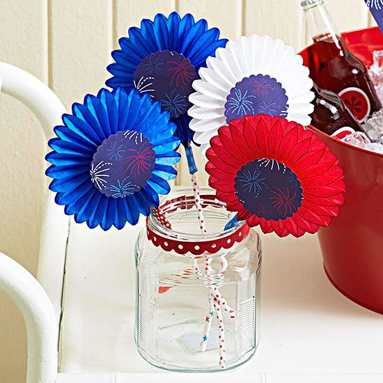 Red, White, Blue Fan Favors Paper fans help guests keep cool on hot summer days. These darling ones add patriotic flair to any event. Insert sturdy straws or dowels between the ends of opened mini decorative paper fans. Glue a circle of firework-pattern paper to the center. Editor's Tip: Find fans at a local party supply store; look for ones that are intended to hang by a string from the ceiling.