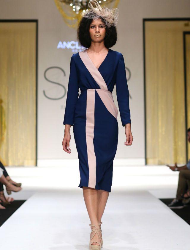 846d34e31 Desfile de moda para invitadas de la firma Anclados en Sur Fashion  Experience 2018. Foto  CPA Studio