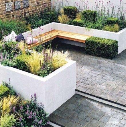 Moderne zithoek in de tuin: