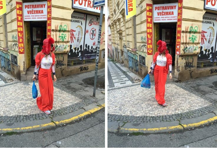 Halina Mlynkova w czerwonej czapce marki Gena